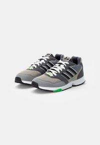 adidas Originals - ZX 1000  - Joggesko - feather grey/grey three/crystal white - 1