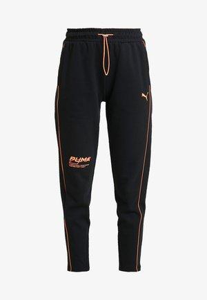 EVIDE PANTS - Joggebukse - black/orange