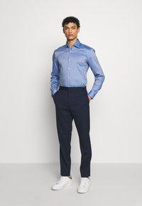 HUGO - KOEY SLIM FIT - Formal shirt - navy - 1