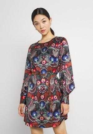LADIES WOVEN DRESS - Day dress - babushka camel