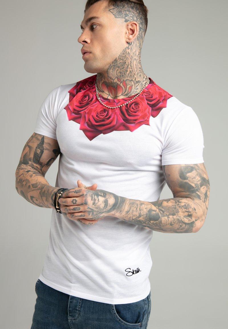 SIKSILK - ROSE TEE - T-shirt med print - white