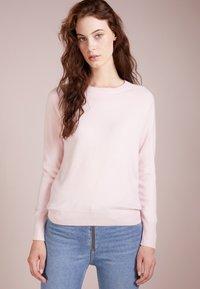 pure cashmere - CLASSIC CREW NECK  - Strikkegenser - pink - 0