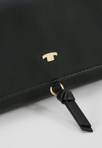 TOM TAILOR - LUNA FALL FLAPBAG - Across body bag - black - 6