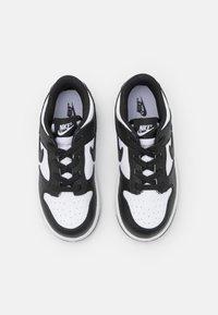 Nike Sportswear - DUNK  - Sneakers basse - white/black - 3