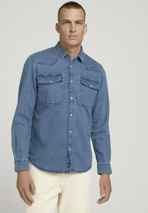 MIT BRUSTTASCHEN - Shirt - clean light stone blue denim