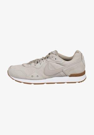 Sneakers laag - college grey /  gum med brown