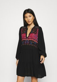 Desigual - VEST SOLSONA - Day dress - black - 0
