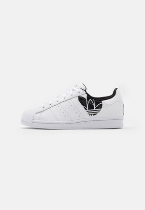 SUPERSTAR SPORTS INSPIRED SHOES UNISEX - Matalavartiset tennarit - footwear white/core black
