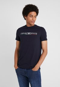 Emporio Armani - Print T-shirt - blu navy - 0