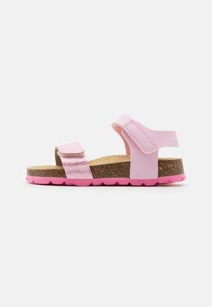 FUSSBETTPANTOFFEL - Sandaler - rosa