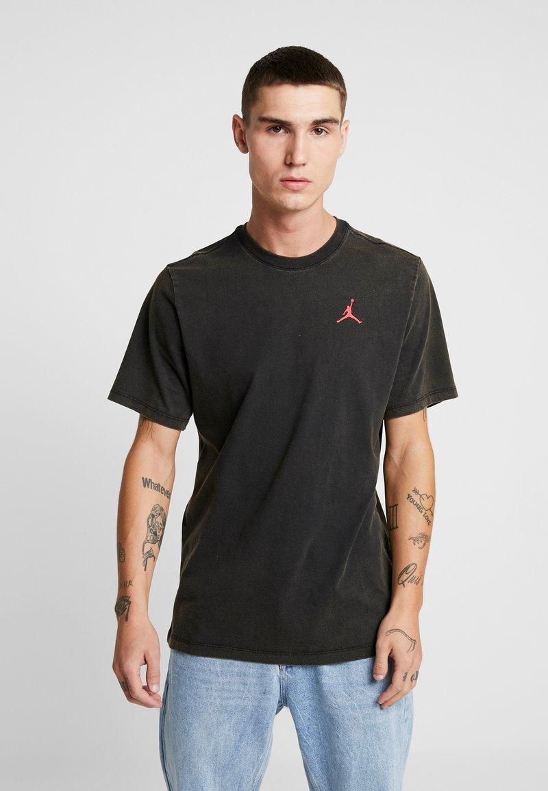 Jordan - TEE AIR JORDAN WASH - Camiseta estampada - black