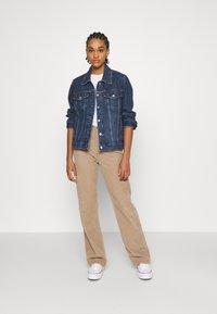 Levi's® - ADJUST - Denim jacket - twilight poppy - 1