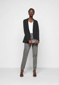 Anna Field Tall - 2 PACK - Basic T-shirt - black/white - 0