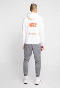 Nike Sportswear - CLUB HOODIE - Hættetrøjer - white - 2