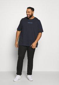 Calvin Klein - SHADOW LOGO - T-shirt con stampa - blue - 1