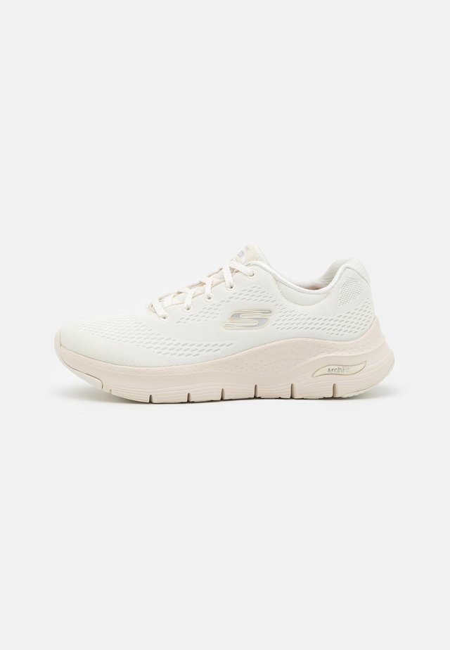 ARCH FIT - Tenisky - offwhite