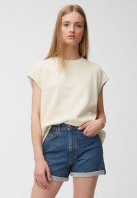 Marc O'Polo DENIM - Print T-shirt - unbleached - 0