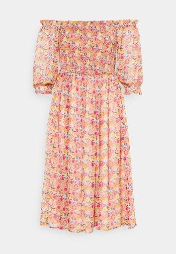 YOUNG LADIES DRESS - Hverdagskjoler - ice cream pink