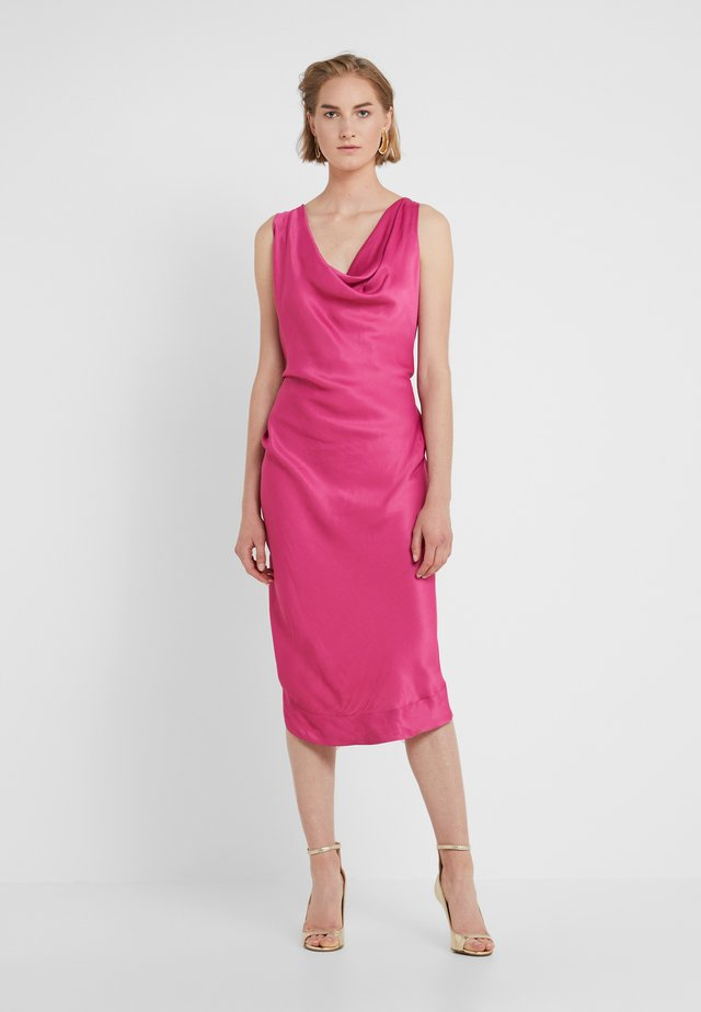 VIRGINIA DRESS - Koktejlové šaty / šaty na párty - fuschia