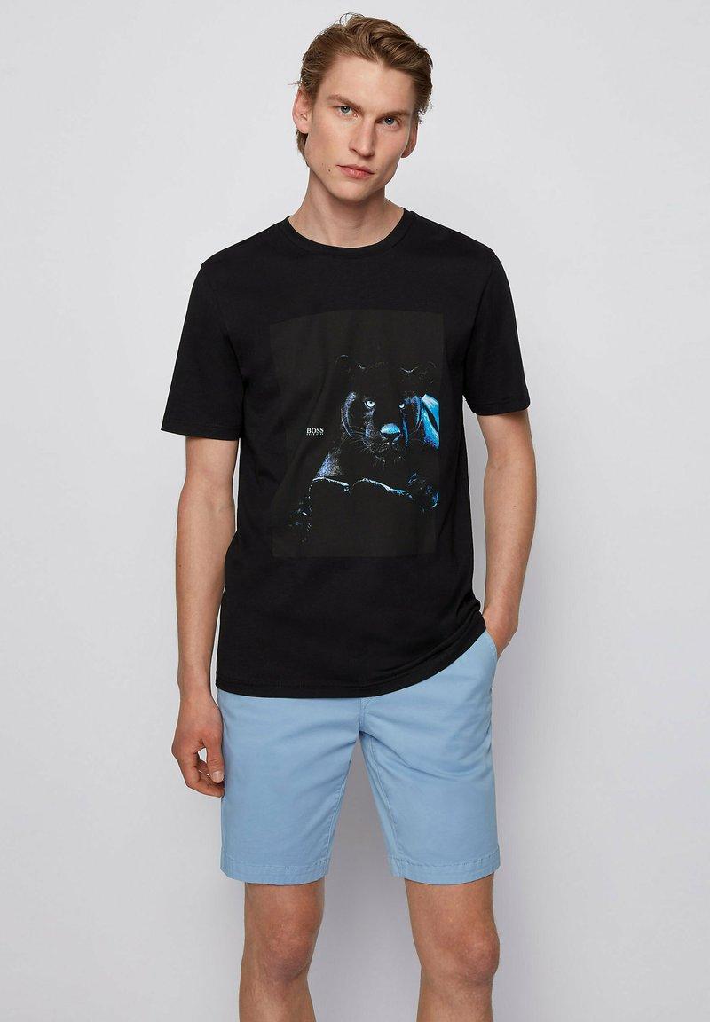BOSS - TERISK - T-shirt imprimé - black