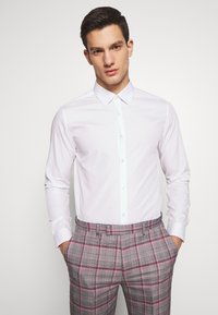 Burton Menswear London - 2 PACK - Formal shirt - pink - 0