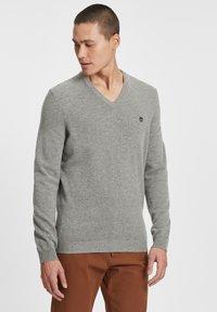 Timberland - Stickad tröja - medium grey heather - 0