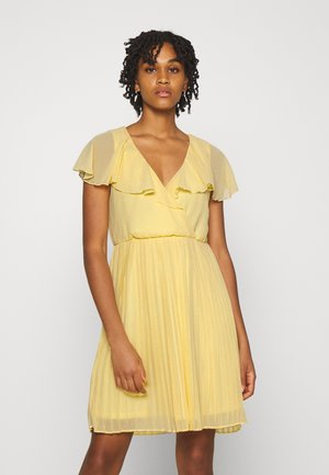 VIKATELYN PLEATED - Cocktail dress / Party dress - sunlight