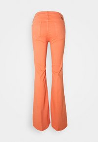 Mother - THE DOOZY - Flared Jeans - cen carnelian - 1
