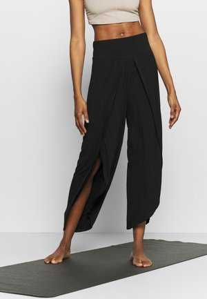 WRAP SPLIT PANT - Tracksuit bottoms - black