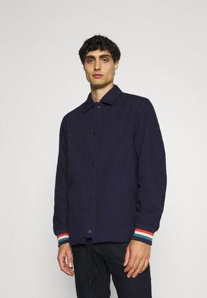 SPORTS COACH - Summer jacket - marine
