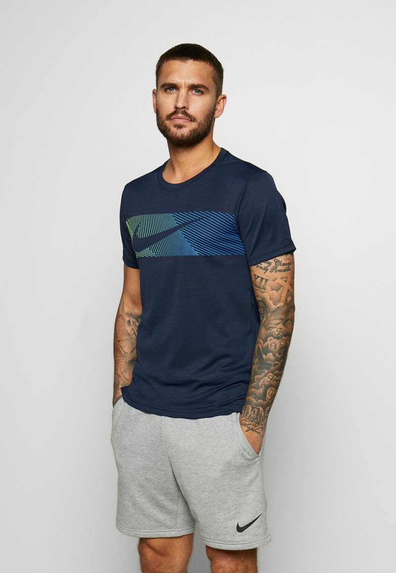 Nike Performance - Print T-shirt - obsidian/white