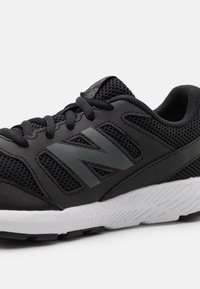 New Balance - YK570 UNISEX - Neutral running shoes - black - 5