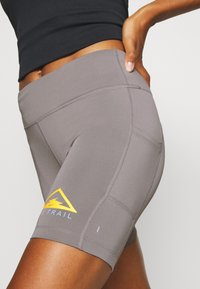 Nike Performance - FAST SHORT TRAIL - Leggings - enigma stone/silver - 3