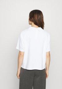 Lacoste LIVE - Print T-shirt - white - 2