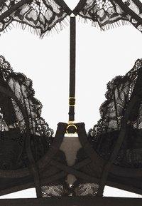 Ann Summers - THE ONLY ONE NON PAD - Olkaimettomat/muut rintaliivit - black - 3
