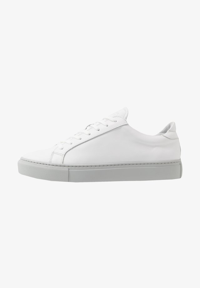 TYPE - Sneakers - white/light grey