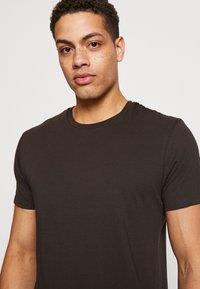 Burton Menswear London - 5 PACK  - Basic T-shirt - grey - 3