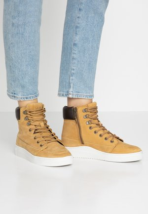 CHESS - Lace-up ankle boots - honey brown/dust