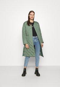Calvin Klein - CORE LOGO CREW TEE - Long sleeved top - black - 1