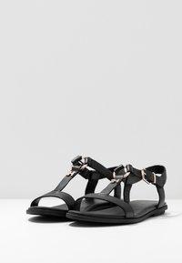 Tommy Hilfiger - FEMININE LEATHER FLAT SANDAL - Sandals - black - 4