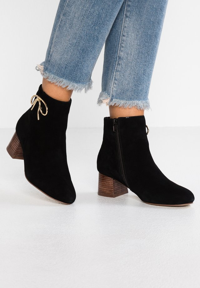 ECOROUVY - Classic ankle boots - black