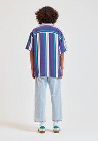 PULL&BEAR - Overhemd - blue - 2