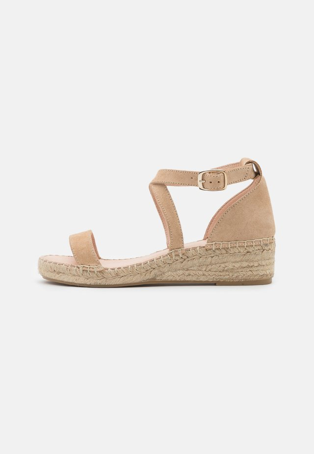 COMFORT LEATHER - Espadrilles - beige