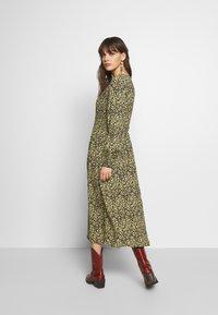 Moss Copenhagen - CELINA MOROCCO SMOCK DRESS - Day dress - celina - 2