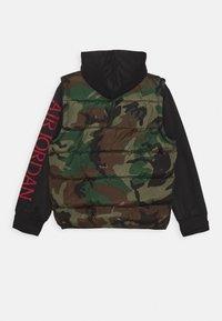 Jordan - JUMPMAN CLASSIC - Winter jacket - olive canvas - 1