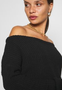 Missguided Petite - OPHELITA OFF SHOULDER JUMPER - Jumper - black - 6