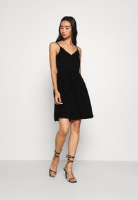Vero Moda - VMHONEY PLEATED SINGLET DRESS - Day dress - black - 0