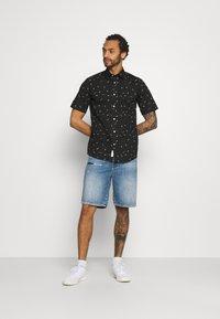 Only & Sons - ONSBART LIFE STRETCH SHIRT - Shirt - black - 1