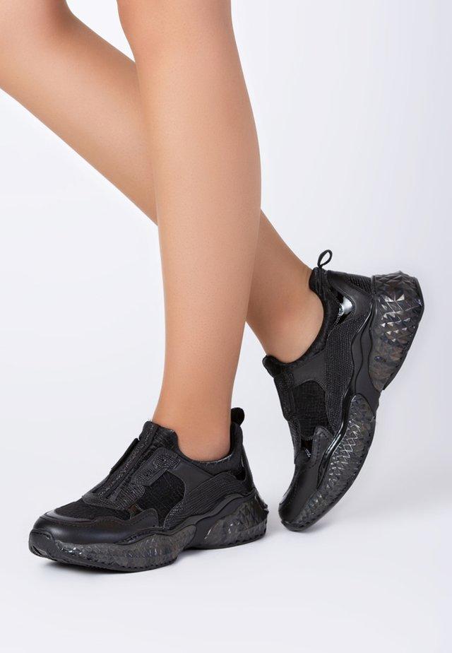 AURORA - Trainers - black