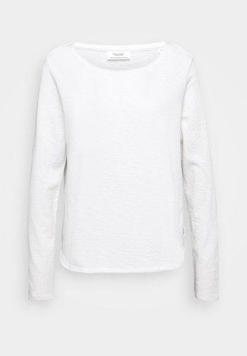 LONG SLEEVE CREW NECK REGULAR FIT - Long sleeved top - scandinavian white